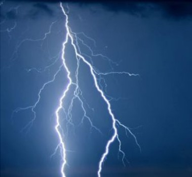 lightning-iv_2345028
