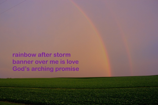 A haiga (photo with haiku poem) by lynn
