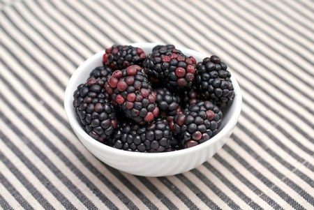 blackberries-1113734__340