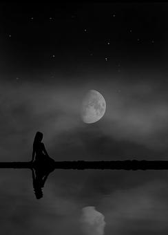moon-3385760__340