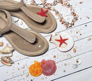 sandals-1578199__340